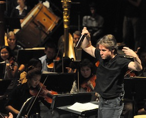 Salonen conducts a masterclass with the UC Berkeley Symphony