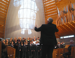 Ian Robertson and the S.F. Boys Chorus will give benefit concert on Nov. 24