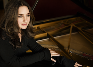 Simone Dinnerstein<br>Photo by Lisa Marie Mazzuco
