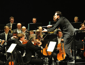 Andris Nelsons stepped in to conduct the Vienna Philharmonic on Sunday. Photo: Peg Skorpinski