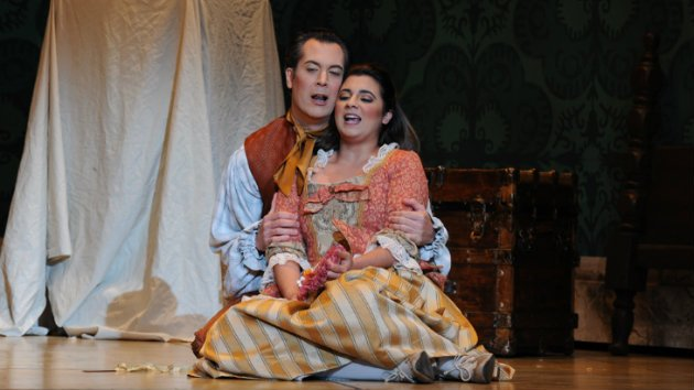 Opera San José guest artists Ben Wager as Figaro and Amina Edris as Susanna in <em>Le Nozze di Figaro</em> (Photo by Pat Kirk)