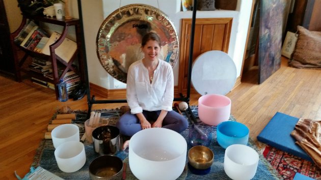 "Helane Anderson performs a ""Sound Bath"" (Photo by Jim Farber)"