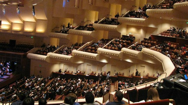 Empty seats at Davies Symphony Hall in 2009 (Photo by Sherol Chen)