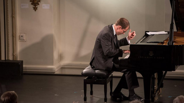 Gilles Vonsattel, piano (Photo by Carlin Ma)