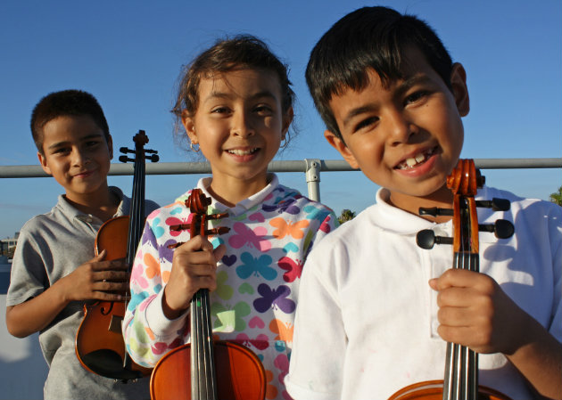 Students from the Music Mission San Francisco program started in 2015 with 20 new instruments provided by the Open String (Photo by Adrian Arias/MMCLA)