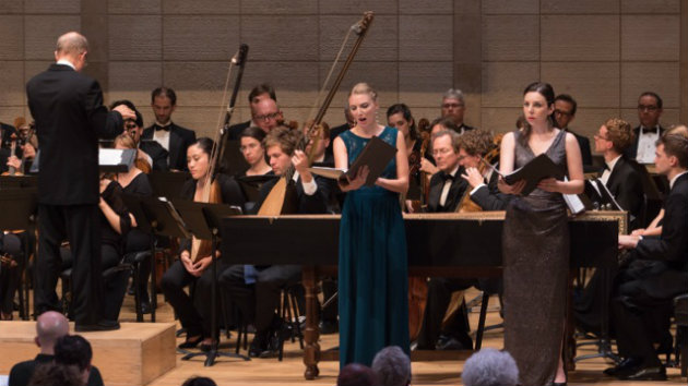 Jeffrey Thomas conducting the American Bach Soloists Festival Orchestra, American Bach Choir, Rebecca Myers Hoke (Sémélé) and Sara LeMesh (Juno) (Photo by Gas Lamp Productions)